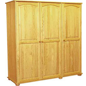 trzy drzwiowe szafy